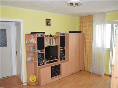 REZERVAT!!Apartament luminos, etaj intermediar, zona Tractorul Brasov