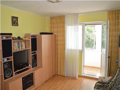Apartament luminos, etaj intermediar, zona Tractorul Brasov