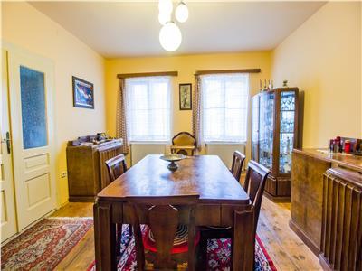 OFERTA REZERVATA!!! Casa singura in curte,zona sub mantie de istorie si cultura, Brasov