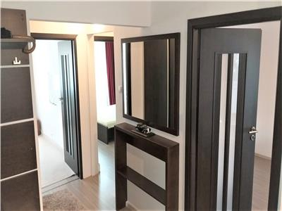 Apartament spatios cu 3 camere de inchiriat !