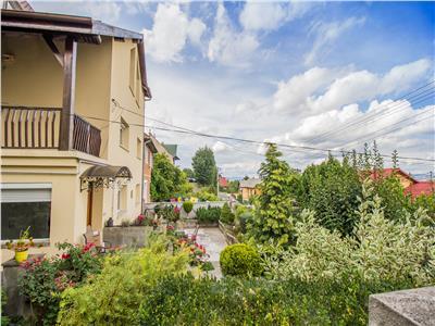 Nivel in vila, gradina si curte proprie,pozitie panoramica, Central, Brasov