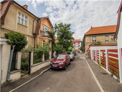 Imobil in casa, zona Centrala, Brasov