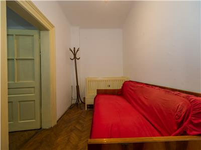OFERTA TRANZACTIONATA!!!!Proprietate parinteasca, cu doua imobile, in umbra vitei de vie, Central, Brasov
