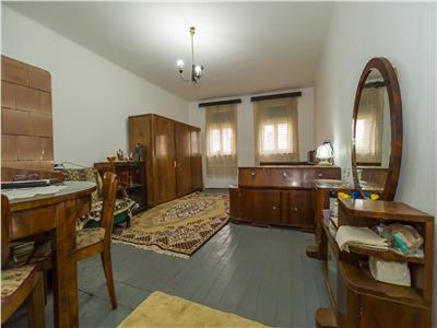 Spatioasa garsoniera, in casa clasica, Central, Brasov