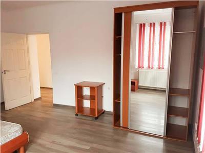 REZERVAT Apartament spatios pretabil rezidenta sau birou