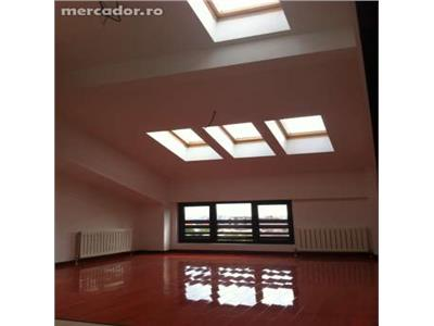Compozitie trei camere, eleganta, zona Centrala, Brasov