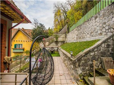 Nivel in vila, Central, gradina terasata, vedere panoramica, Brasov