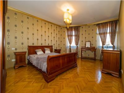 OFERTA TRANZACTIONATA!!!Nivel in vila, in mantie regala, Centrul Istoric Cetatea Brasov