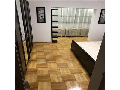Apartament cu 3 camere, spatios, in Scriitorilor, Brasov.