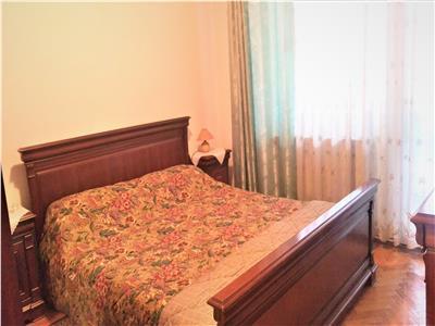 Apartament spatios cu 2 camere de inchiriat, Brasov