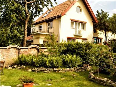 Proprietate in vila, cu mica gradina proprie, Sacele Brasov