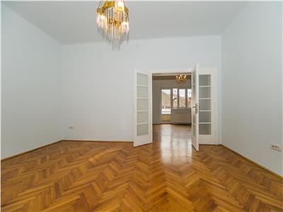 OFERTA REZERVATA!!Eleganta proprietate, pozitie remarcabila, birouri/ rezidential, Central, Brasov