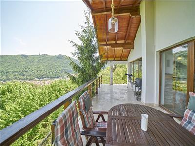 OFERTA REZERVATA!!Vila superba, cu priveliste panoramica asupra Brasovului Vechi