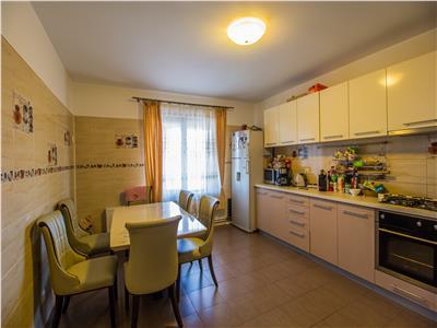 OFERTA REZERVATA!!!Eleganta vila, imbracata in pastelate culori, Sanpetru, Brasov