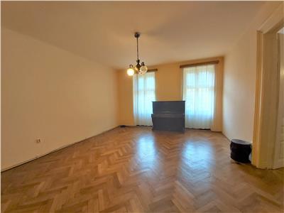 OFERTA REZERVATA!!! EXPLOREAZA VIRTUAL!!Apartament in vila Interbelica, Parcul Central  Livada Postei, Brasov