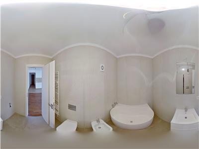 EXPLOREAZA VIRTUAL! Apartament in paradisul verde al Brasovului, cu curte interioara