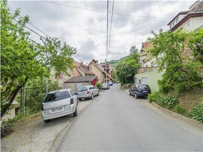 Apartament in vila interbelica + incapere securizata si garaj, Central, Brasov